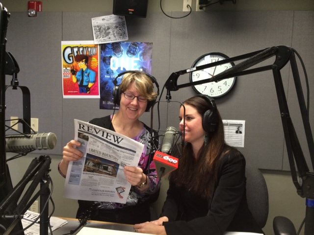 pic jo garner and wendy greenlaw 3-28-15 reading from chandler review